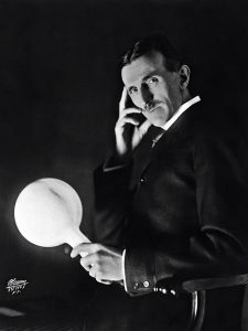 tesla-wireless-light-bulb